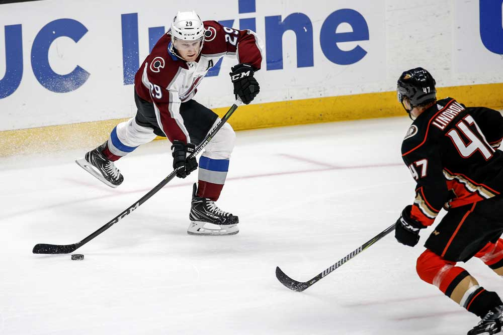 Colorado-Avalanche---Nathan-MacKinnon