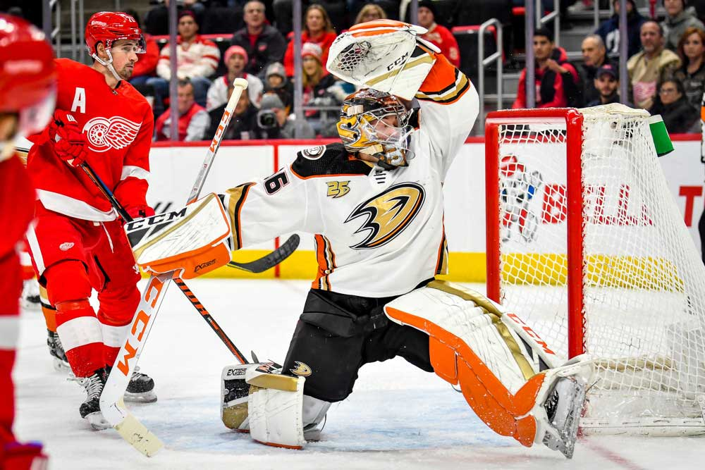 Anaheim-Ducks-Trying-To-Keep-Their-Heads-Above-Water