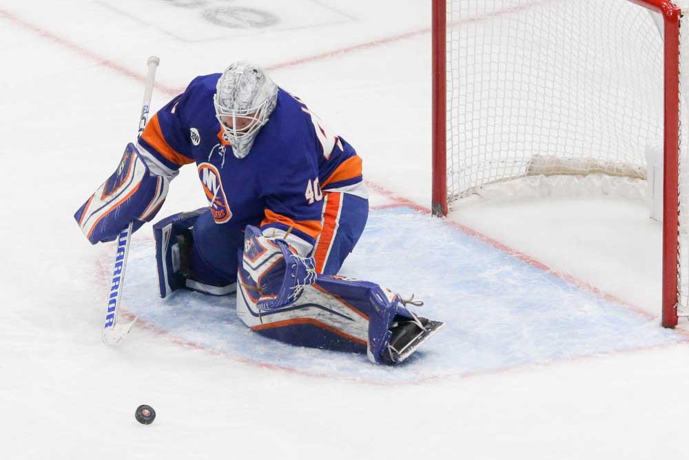 Lehner-Dynamic-Goaltending-Duo-Leading-Islanders-Resurgence_NHL_Devils_Islanders